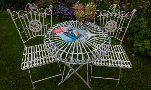 Jonart Design Louis Range Round 70cm Folding Table & Folding Dining Chairs