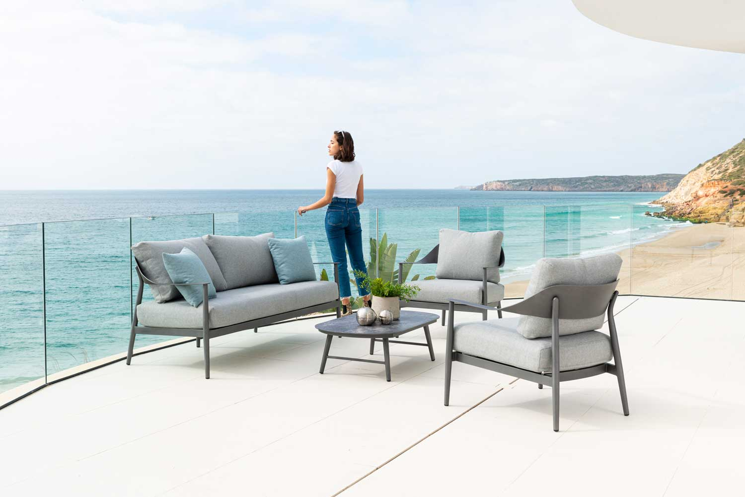 alexander-rose-launches-new-rimini-collection