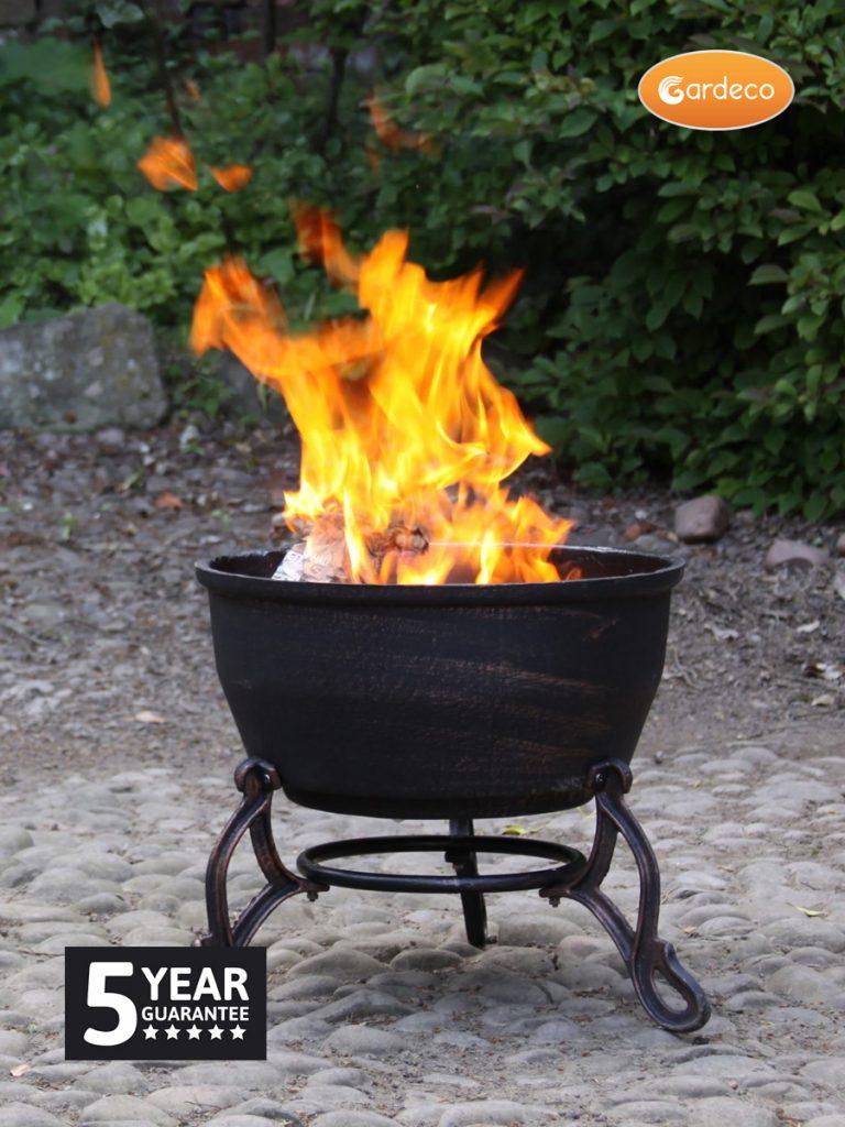 gardeco-cast-iron-fire-bowl
