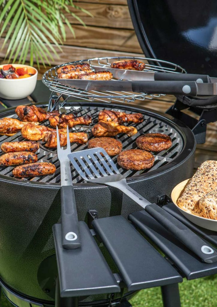 garden-grill-bbq-with-burgers-and-sausages