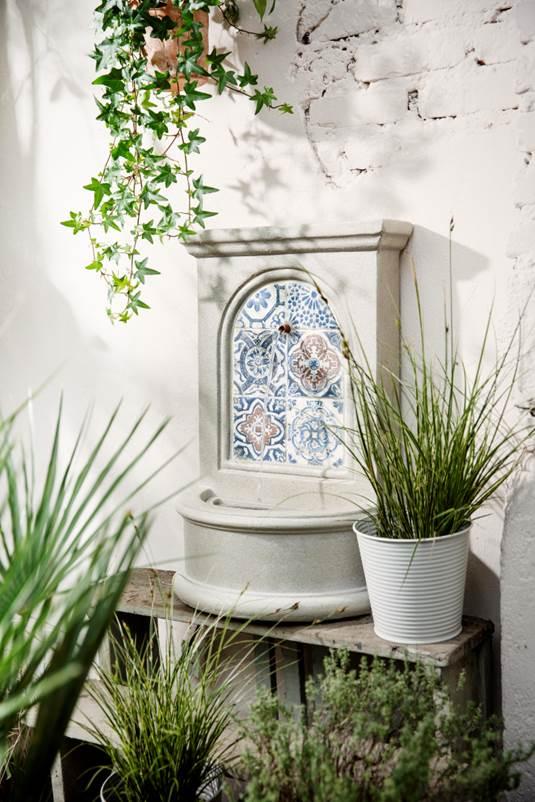 kaemingk-mosaic-style-fountain