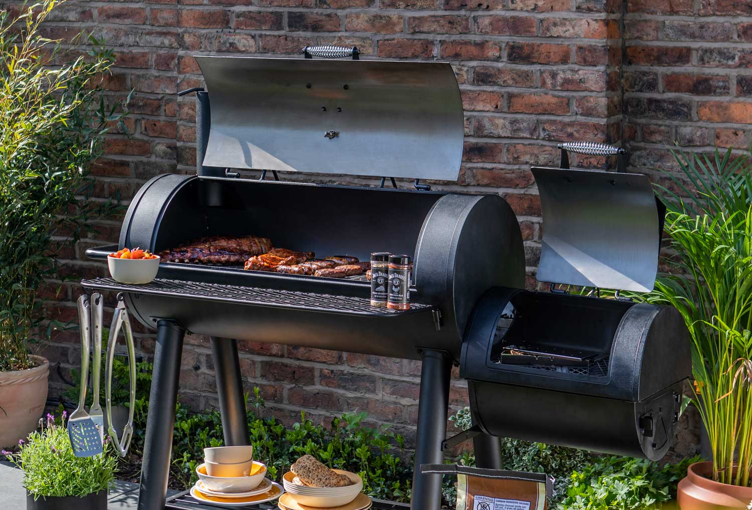 premier-decorations-char-griller-the-must-have-this-season