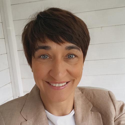 Gina Hinde